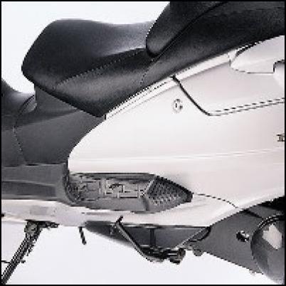 Sozius-Trittbretterhöhung für Suzuki Burgman AN650 BJ. 2007-2012/ Burgman AN650 BJ. 2005-2006/ Burgm