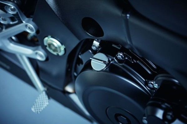 Öleinfüllstutzen (chrom) für Suzuki GSX-R1000 BJ. 2007-2008/ 2009-2011/ 2012-2016/ GSX1300R Hayabusa